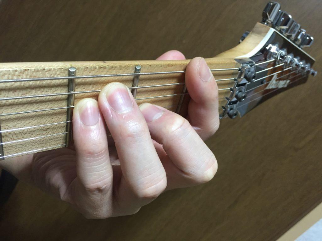 コツは人差し指にアリ! ギター初心者でもFコードは弾ける!